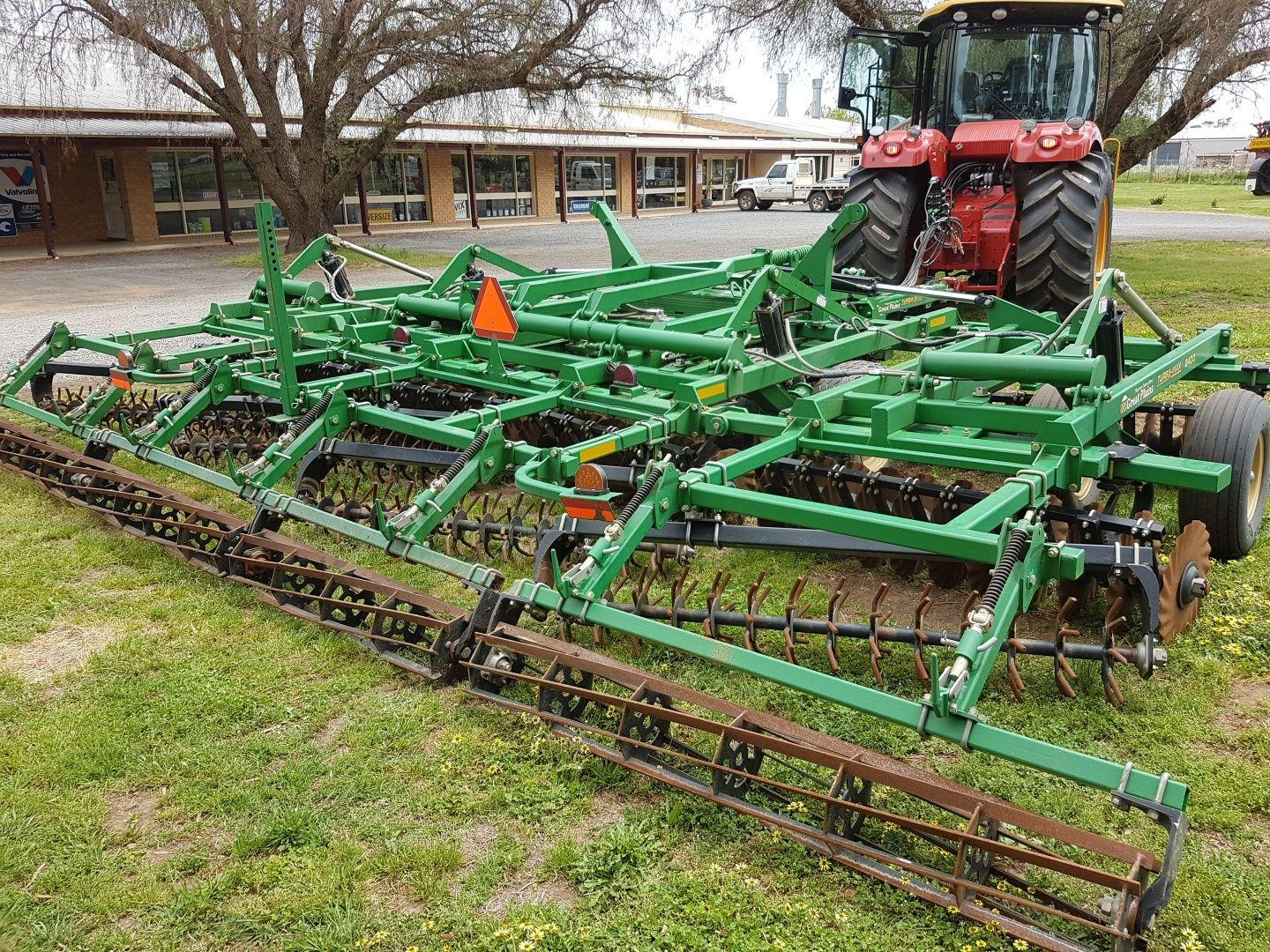 2016 Great Plains TM2400 Vertical speed tiller  – Demo