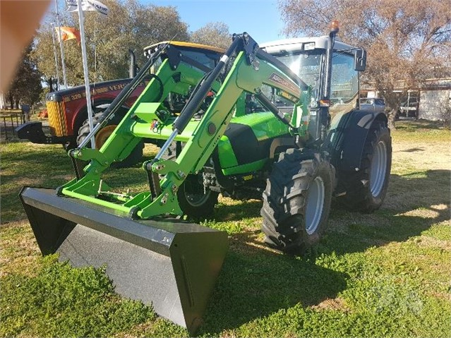 Deutz 110GS with Argo-lift 3620 Loader